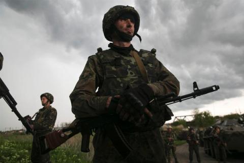 США осуждают нападение на российское посольство в Киеве