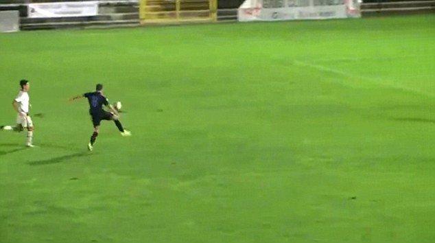 Юниор миланского «Интера» забивает невероятный жонглирующий гол
