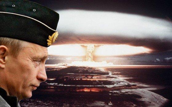 Путин ставит свою ядерную ногу в свой же ядерный рот