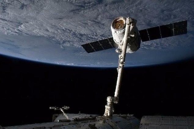 Корабль SpaceX покидает МКС для доставки лабораторных результатов на Землю