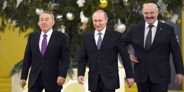 Спасут ли рубль интервенции и выездные визы?