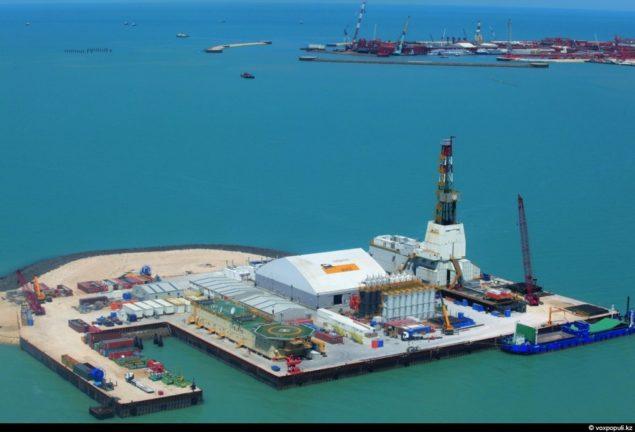 Казахтан. На каспійскому шельфі відкрито велике родовище Кашаган, найбільшому у світі за останні 30 років.