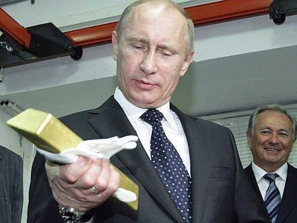 Россия борется со своими финансовыми проблемами продажей накопленного золота