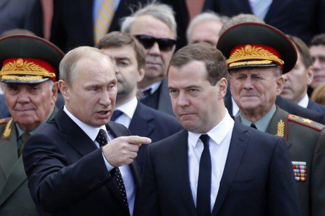 Российское правительство лихорадит, поскольку оно не остановило экономический кризис