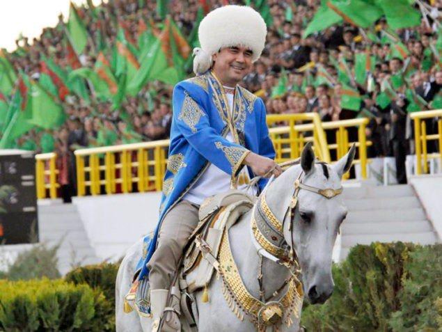 Президент Туркменистана увольняет руководителей ЦБ и «Туркменгаза»