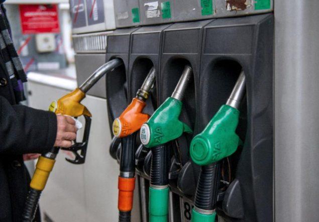 Нефть падает из-за опасений переизбытка
