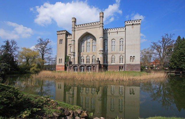 Польша. Замок в Курнике