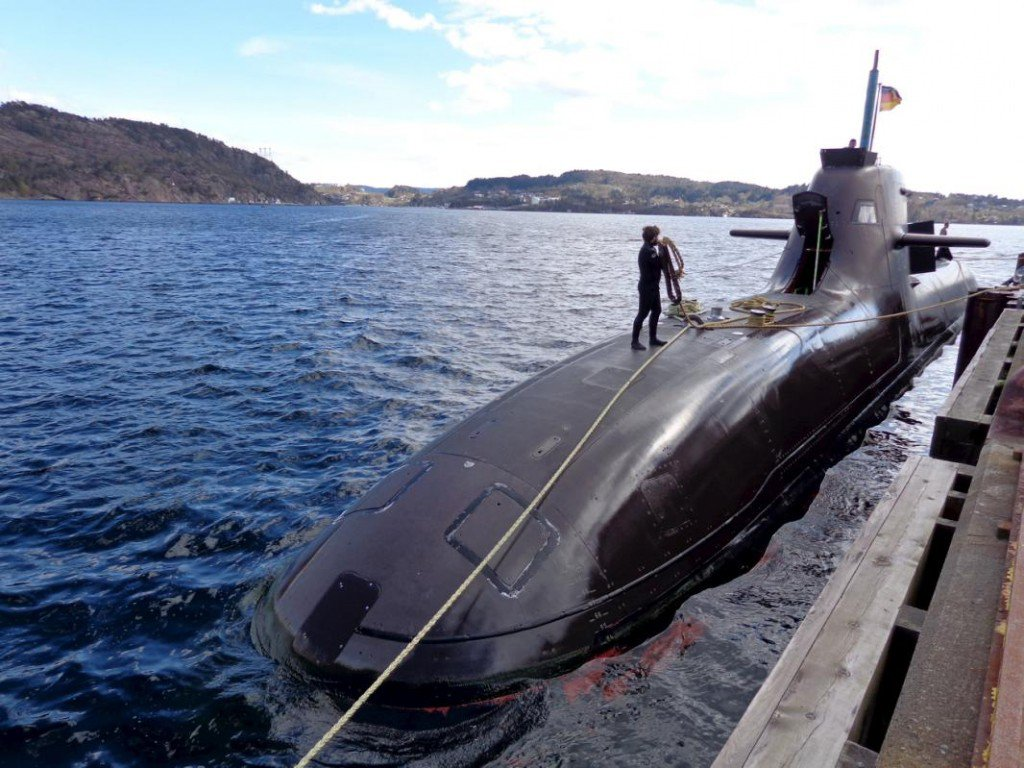 The U33, a Germany 212 class submarine prepares for Operation Dynamic Mongoose near Bergen on Norway's western coast, May 3, 2015. NATO launched one of its biggest anti-submarine exercises on Monday, involving more than a dozen vessels from 11 countries, amid increased Russian naval activity in the Nordics and the Baltics.  REUTERS/Balazs Koranyi