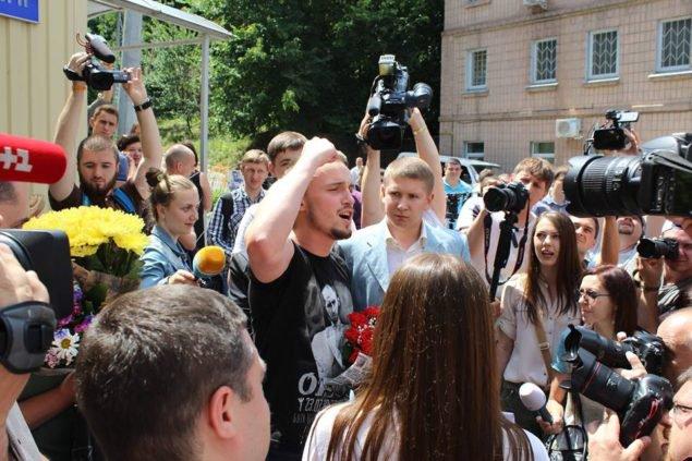 Почему Денис Полищук на свободе?