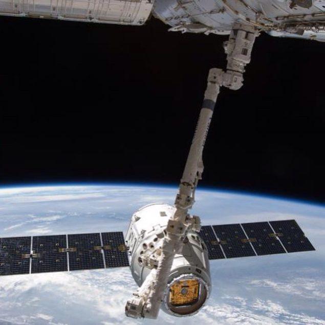 SpaceX доправляє військові вантажі у космос, оскільки США поступово відмовляється від російських ракетних двигунів
