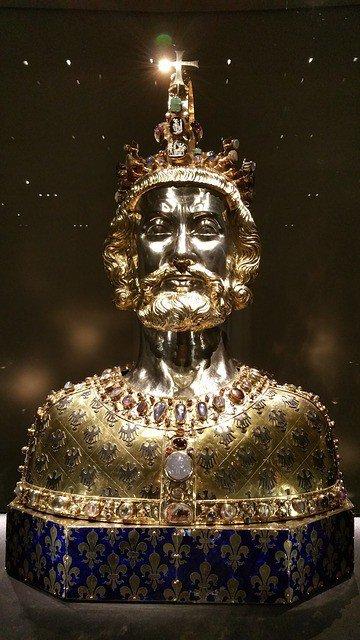 Фото: Карл Великий. Золото