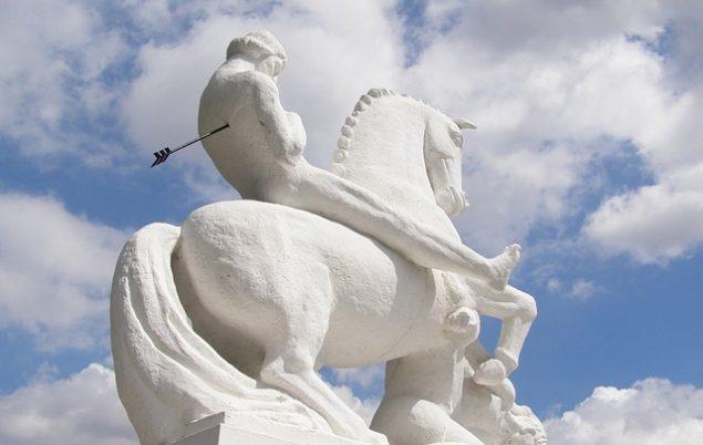 statue-man-on-horseback