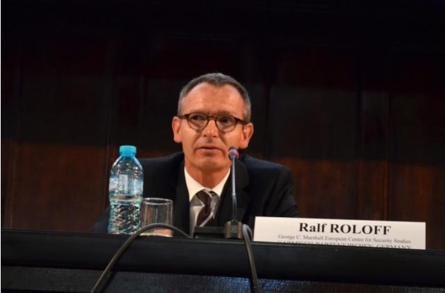 Dr Ralf Rollof