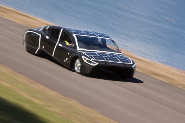 Електромобиль у сонячній автогонці на 3000 км