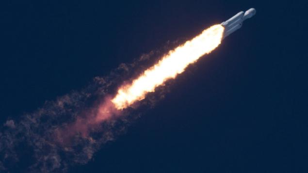 Ілон Маск щойно показав секретне повідомлення SpaceX, відправлене на космічній Теслі