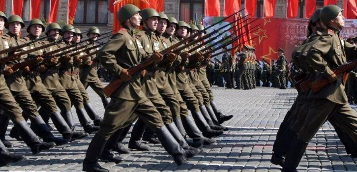 На 9 Мая Путин готовится принять капитуляцию Запада в Европе