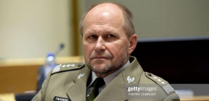 Польский генерал Фалковски ответил Путину