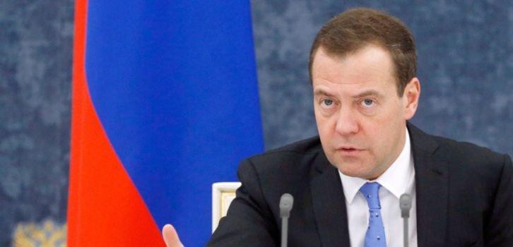Анексія Криму вдарила по економіці РФ, - Мєдвєдєв