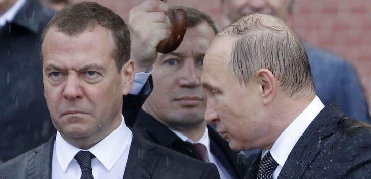 На Красной планете все твари уснули. Путин списал на Медведева свои провалы