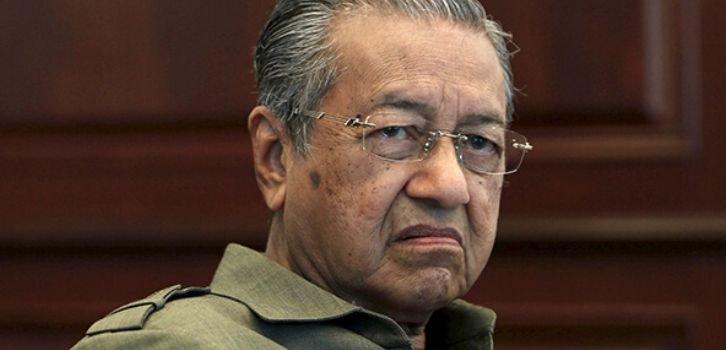 Отрицающий ответственность РФ за MH17 премьер Малайзии подал в отставку