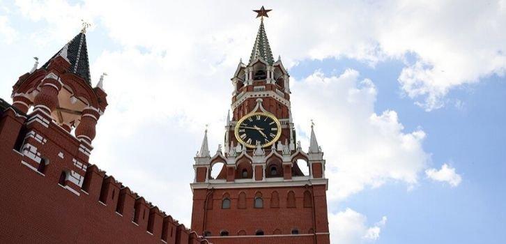 Зачем Кремль переписывает историю