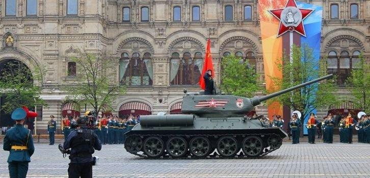 Россия затягивает мировых лидеров на парад 9 мая – The Guardian