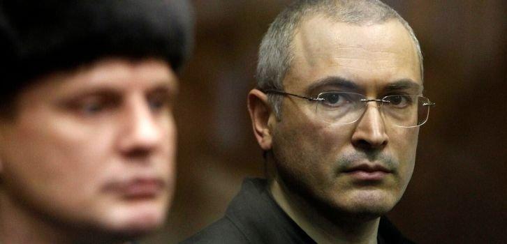 Кремлю придется заплатить ЮКОСу $50 млрд из-за Крыма. Соломинка и та тонет