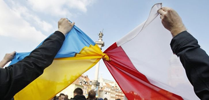 Наші справи у сусідки. Як Польща реагує на міграційні хвилі з України