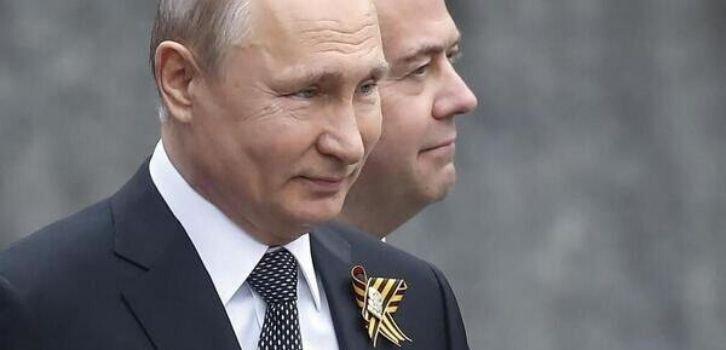 Европейских лидеров призывают бойкотировать путинский парад в Москве