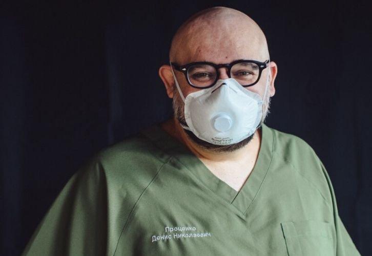 В РФ выявили коронавирус у врача, с которым общался Путин