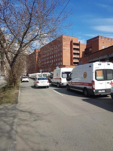 Пробки из скорых у больниц настигли очередной город РФ – фото
