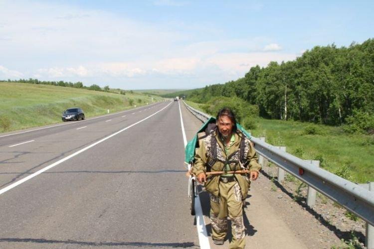 Спецназ взяв штурмом будинок якутського шамана, який обіцяв вигнати «царя» із Кремля