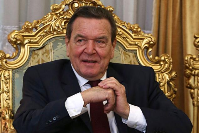 Кремль платит пенсию Шредеру, превращая Россию в страну стариков