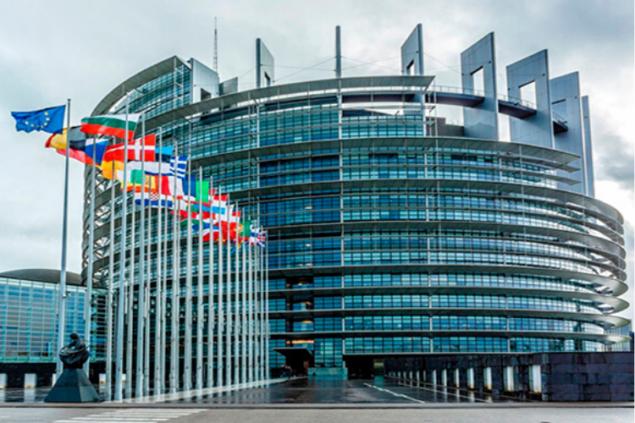 Киев обратился к Европарламенту из-за визита евродепутатов в оккупированный Крым