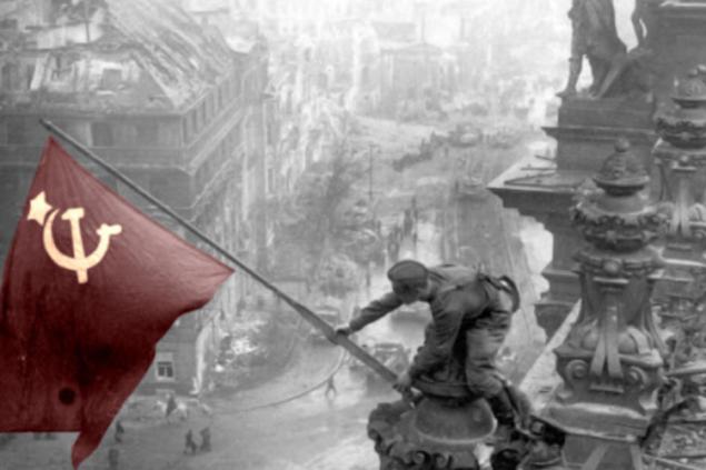 Старый шарлатан сел заперо. Для чего в Кремле переписывают историю