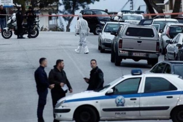 В Греции неизвестные забросали камнями мечеть