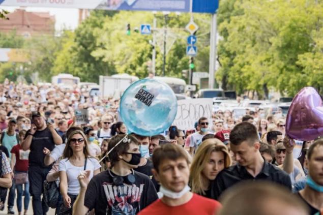 Пока закручивали гайки в Москве и Санкт-Петербурге, резьбу сорвало в Хабаровске