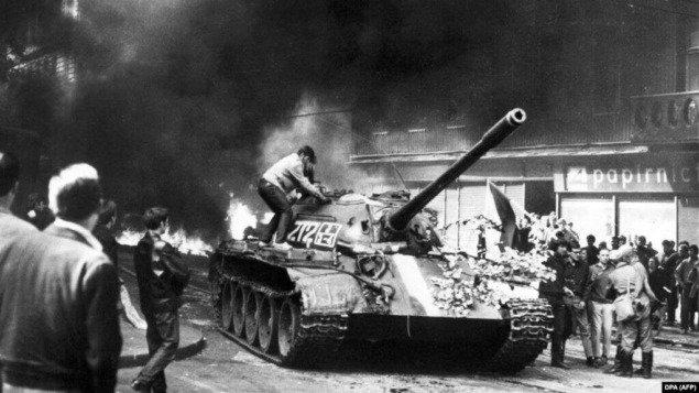 Чехи і словаки згадують 52-і роковини окупації Чехословаччини військами Варшавського пакту