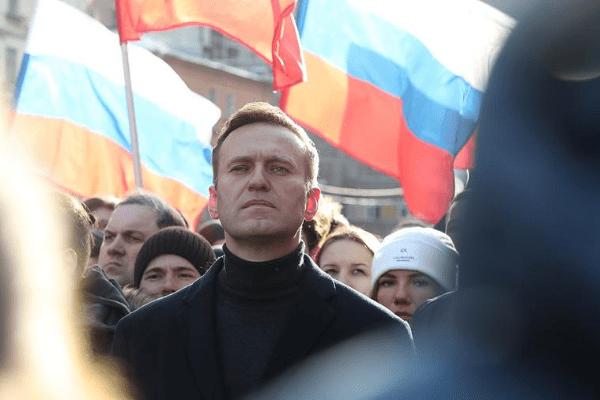 Почему отравление Навального выгодно Кремлю