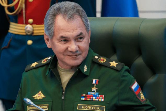 Россия продолжает бряцать оружием. Кризис кризисом, а устрицы Шойгу по расписанию