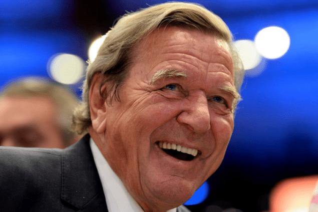 Немецкие партии призвали Шредера прекратить работу на «Газпромом»