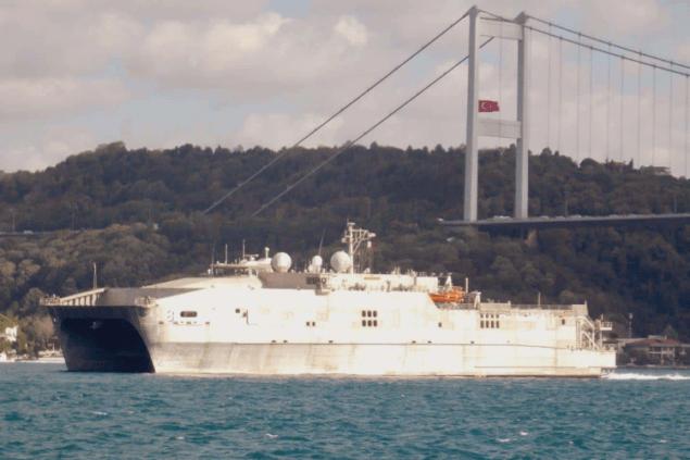 В Черное море вошло десантное судно Военно-морского флота США