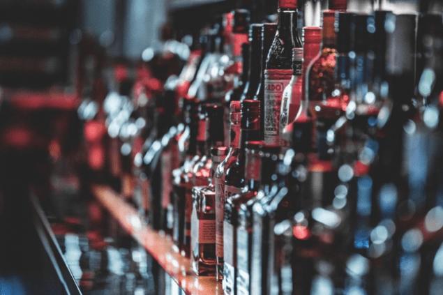 Україна продає горілки вдвічі більше, ніж купує: хто найбільше імпортує українське