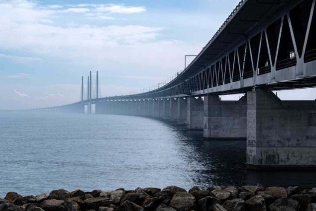 У Эресуннского моста столкнулись российский военный фрегат и шведское грузовое судно