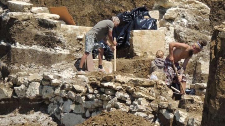 Київ висловив протест через археологічні розкопки в окупованому Криму