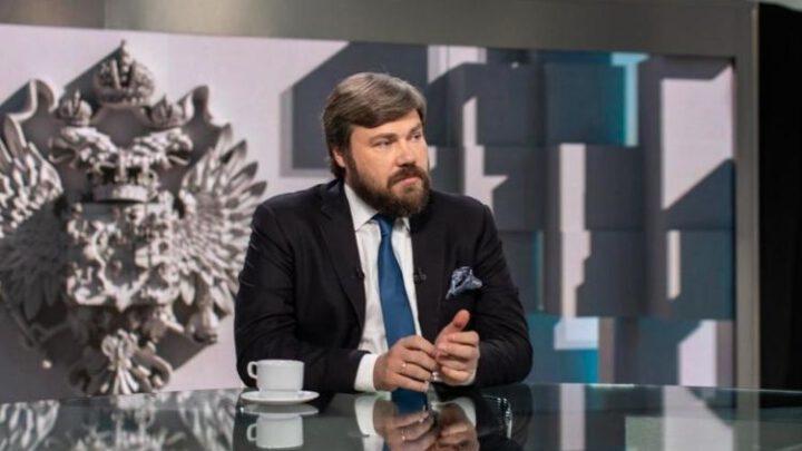 К чему приведет война российских спецслужб за место у трона
