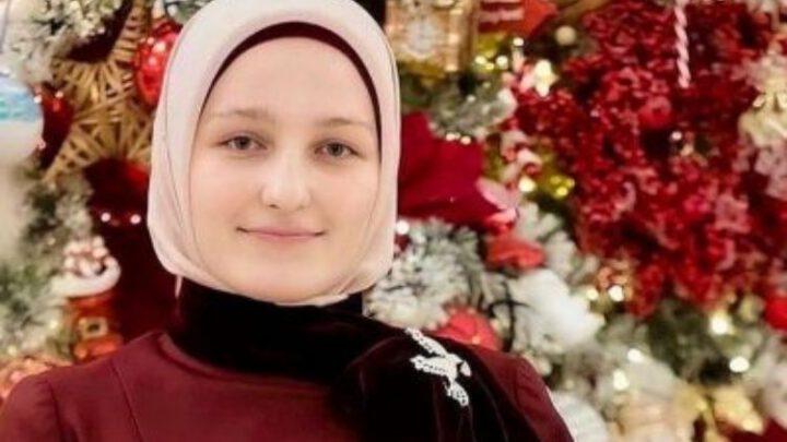 20-летняя дочь президента Чечни стала чиновницей в мэрии Грозного