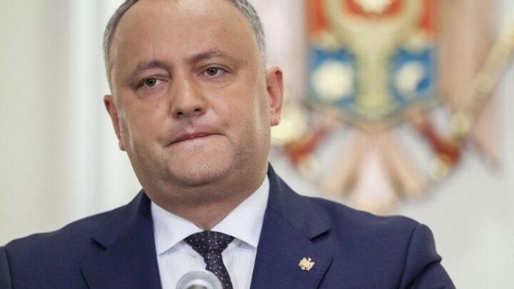 Додон после отставки сбежал в Москву