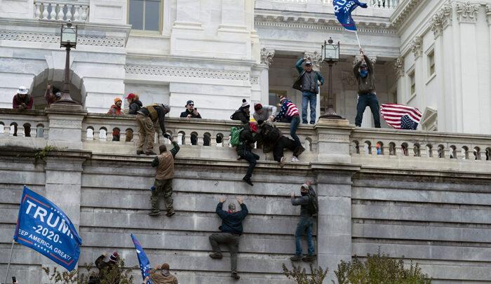 Революция позади попытки революции