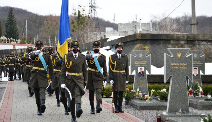 Львів'яни вшанували пам'ять загиблих на Донбасі українських героїв разом із американськими солдатами